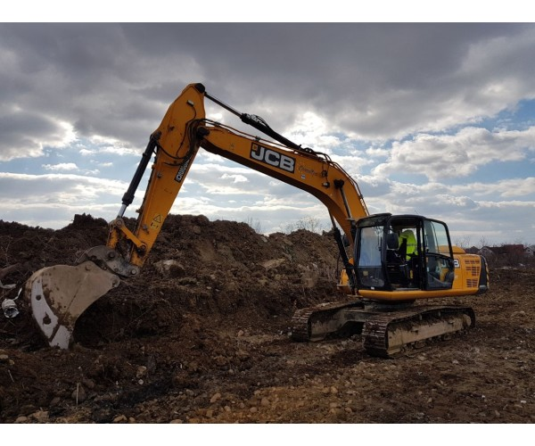 Excavator JCB JS220