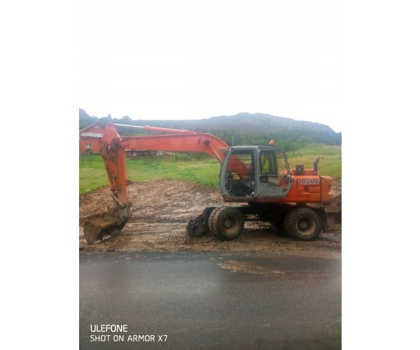Excavator pe roti Hitachi EX165W